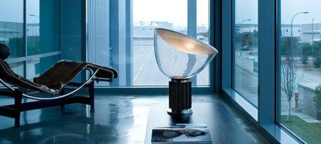 FLOS Taccia small - LED-Tischleuchte