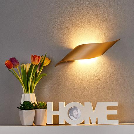 Messingfarbene LED-Wandlampe Rizz 34,5 cm