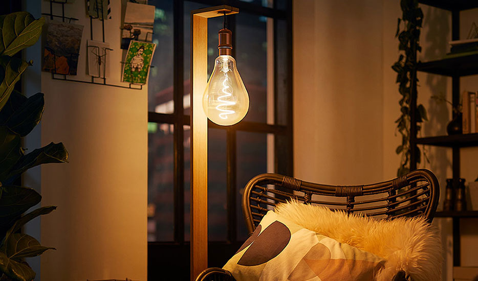 Philips E27 Giant LED-Lampe 6,5W gold dimmbar