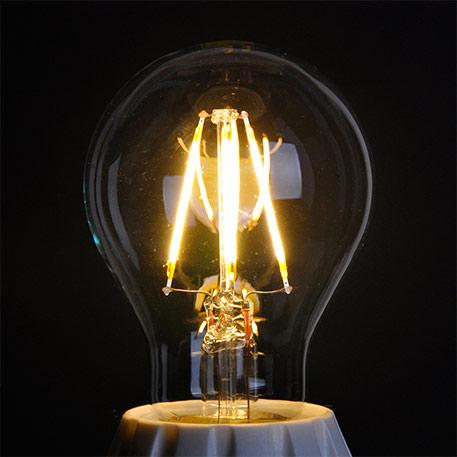 E27 4W 827 LED-Glühlampe, klar