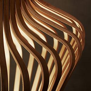 Holzpendelleuchten Nahaufnahme
