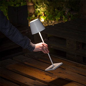 Tragbare LED-Tischlampe Toc mit USB-Charger, IP54