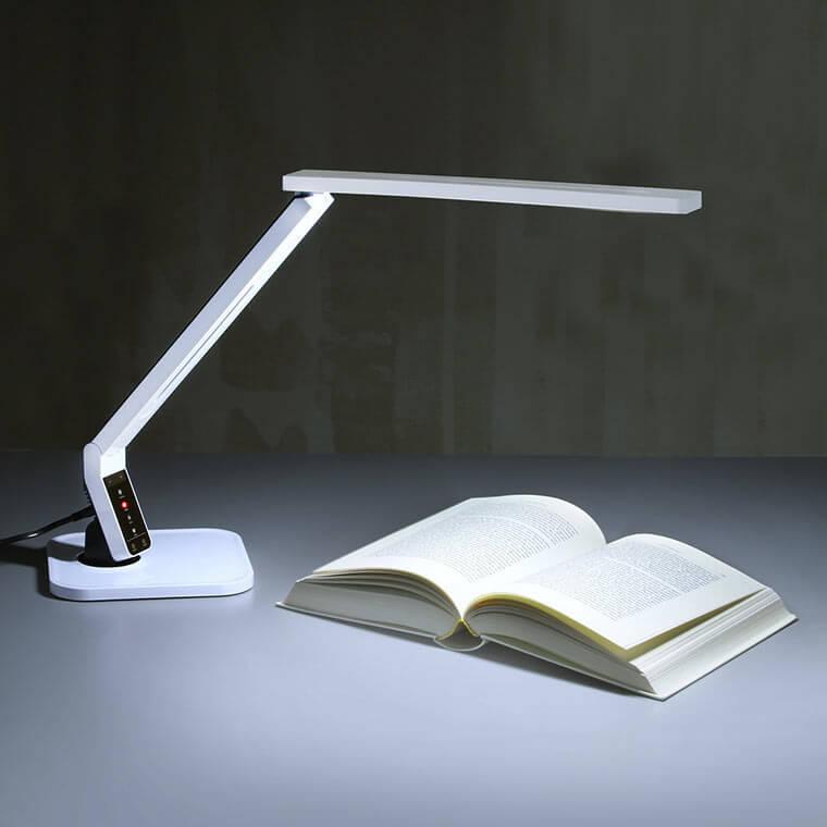 Moderne LED-Schreibtischleuchte