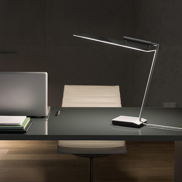 Schreibtischleuchte mit OLEDs