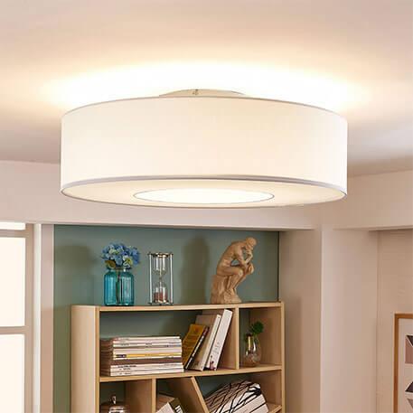 Weiße LED-Stoffdeckenlampe Ragnar, 4-stufig dimmb.